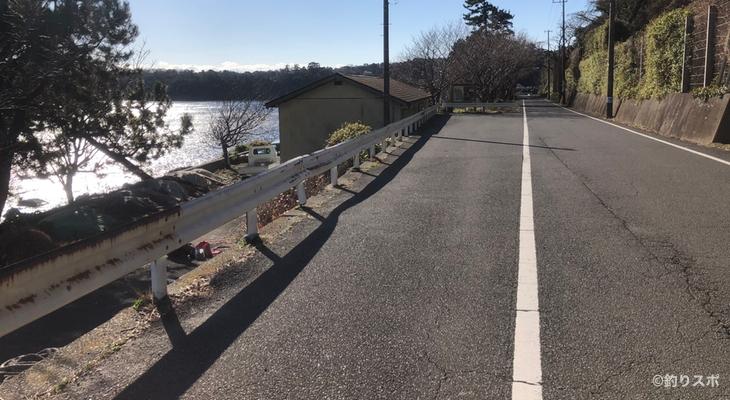 富戸のゴロタ駐車スペース